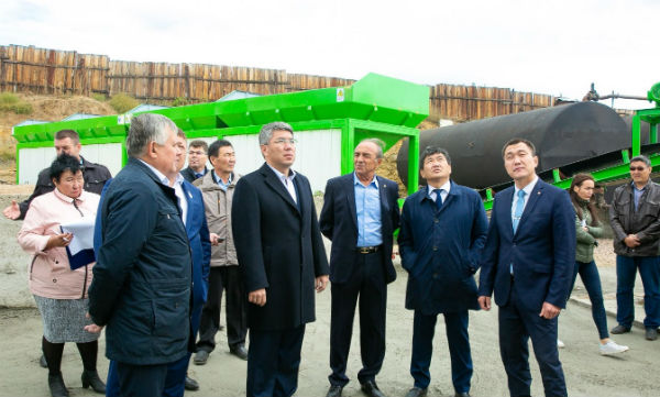 President of the Republic of Buryatia visited our 120t/h asphalt mixing plant