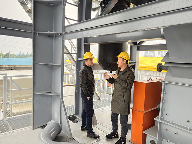 Uzbekistan customer visited us for 80-120T/H asphalt plant